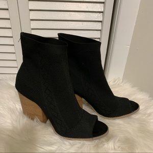 Qupid Black Open toe bootie Size 10